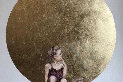 joannaczajkowska.dziewczynkazmaskotka.2019r.akrylplusszlagmetalnaplotnie.110x100cm
